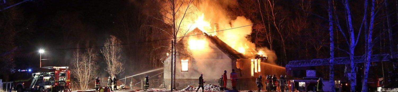 28.01.2017 (RH170128-02) Wilsdruff – Brand Einfamilienhaus steht lichterloh in Flammen
